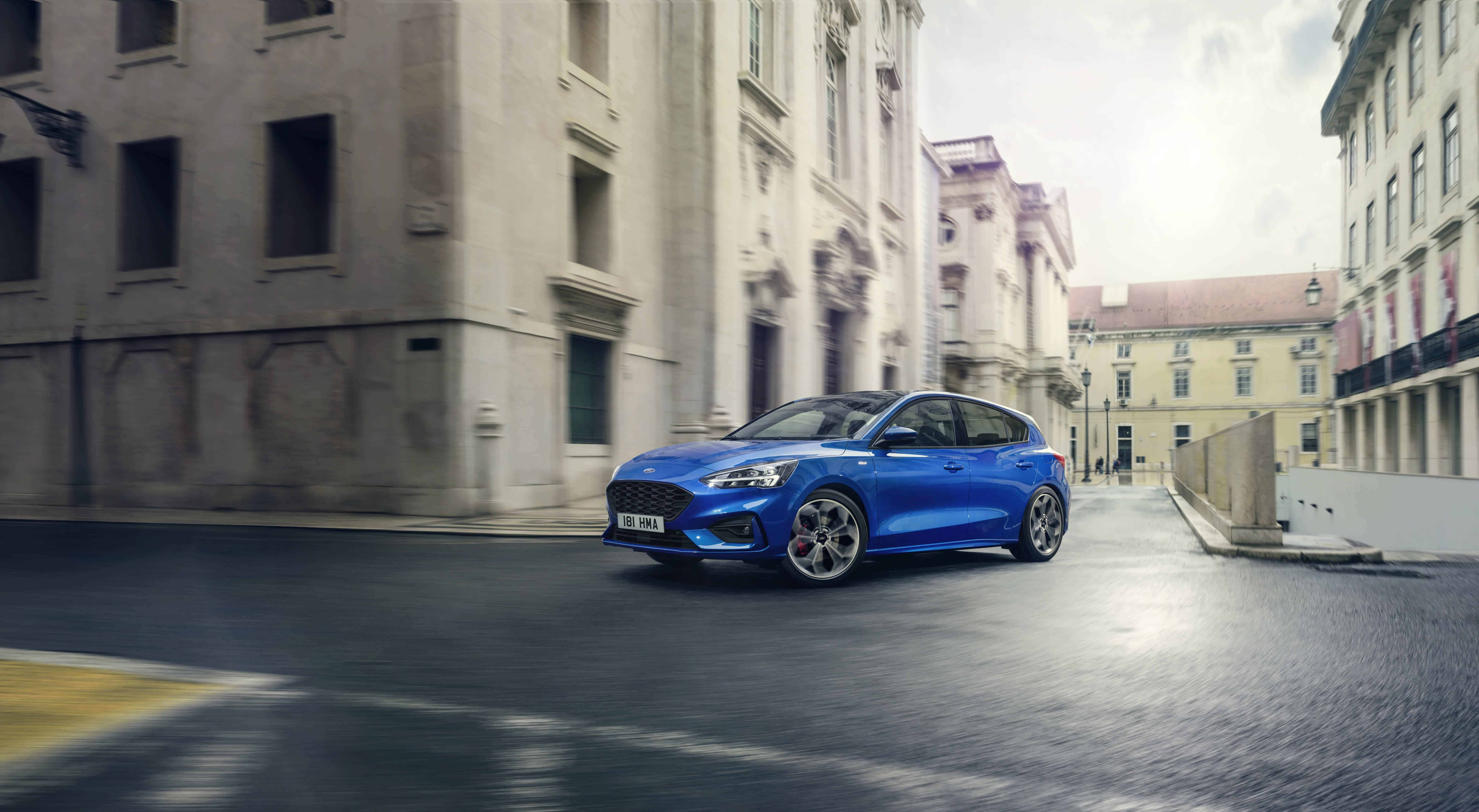 12 Ford_Focus 2018__St-Line_exterior