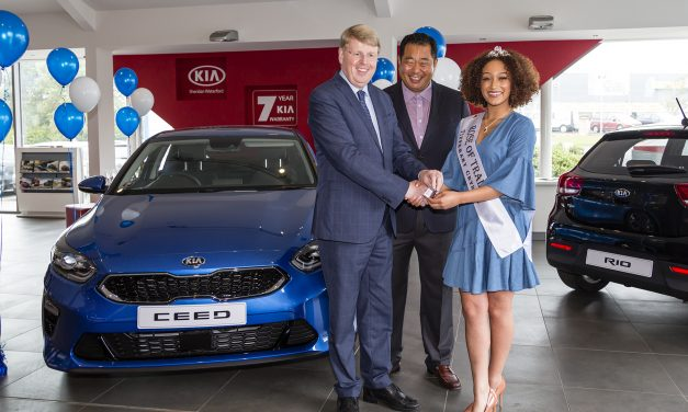 The Rose of Tralee collects her new KIA Ceed.