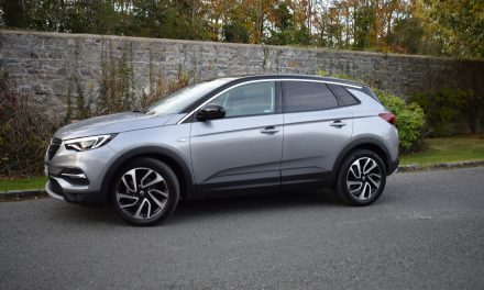 OPEL GRANDLAND X 'ULTIMATE' SUV 2.0-Litre Turbo-Diesel (177PS), 8-Speed Automatic.