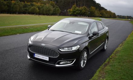 Ford Mondeo Vignale Hybrid (HEV) Review 2018.