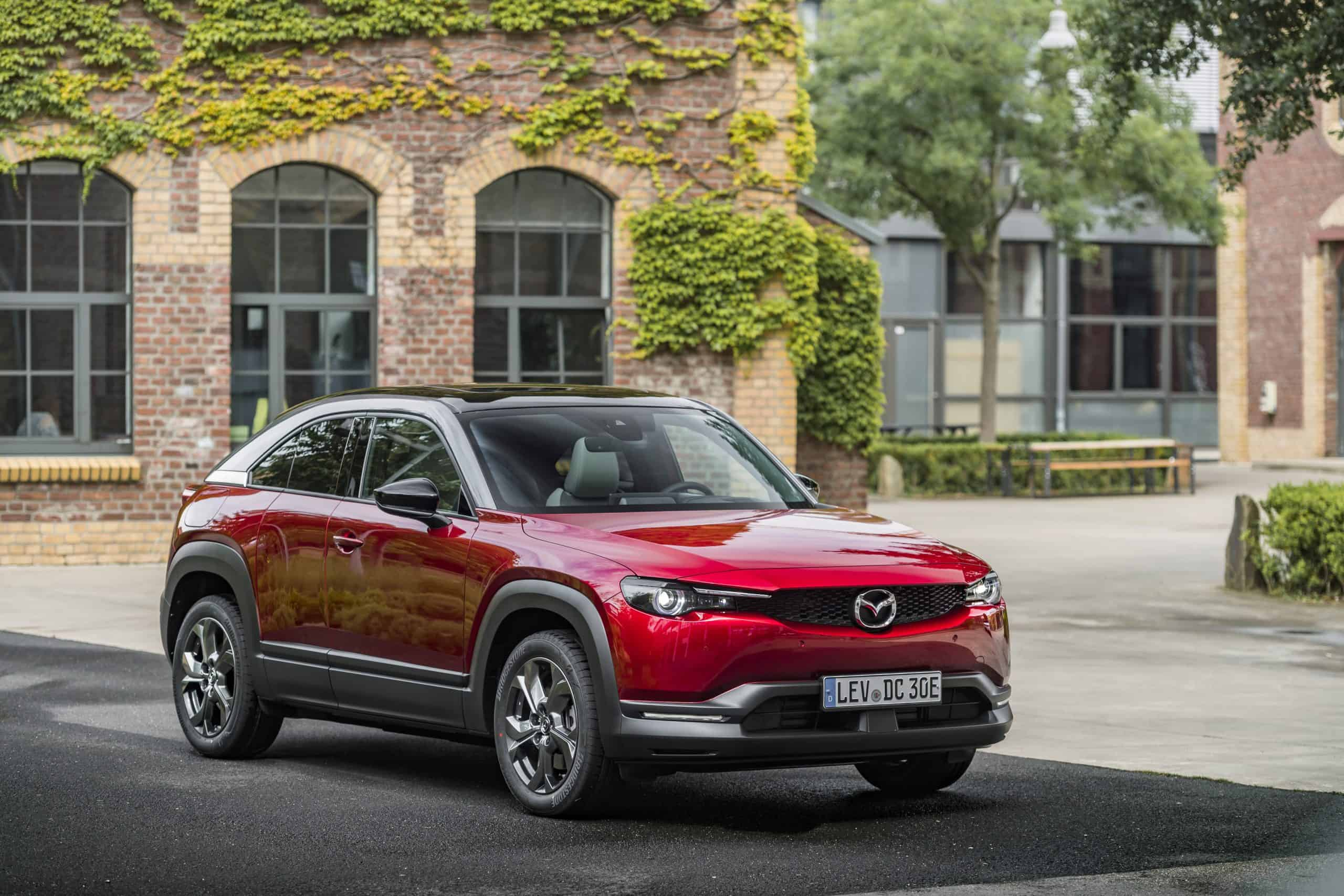 14-Static---Mazda-MX-30-Soul-Red-Crystal-Modern-Confidence
