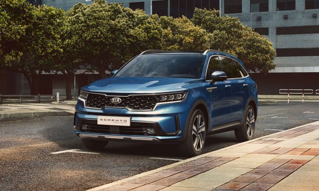 New Kia Sorento PHEV revealed with low emissions and high power.