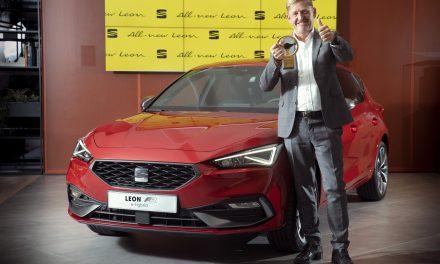 All-New SEAT Leon wins Golden Steering Wheel Award.