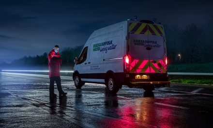 Ford Helps Roadside Workers Stay Safe with Pioneering Illuminated Rear Panels for Vans.